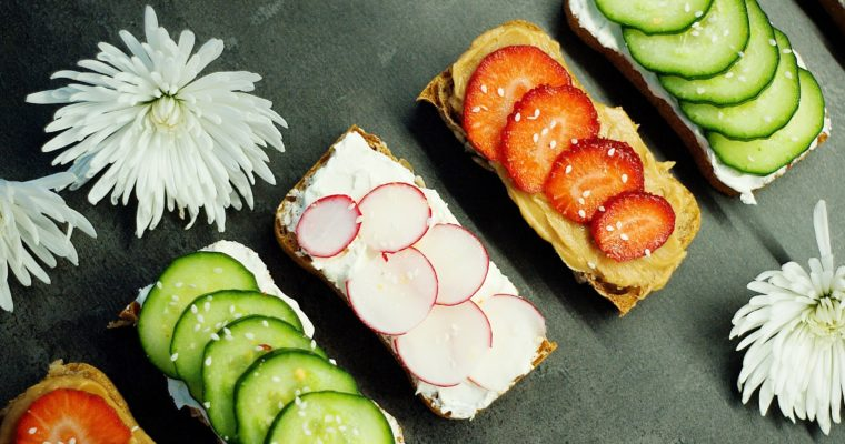 Celozrnné toasty spřírodním sýrem