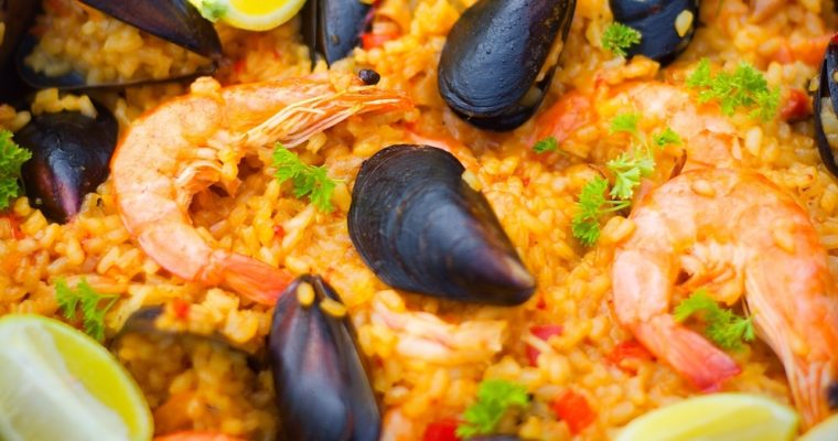 Paella de marisco – paella smořskými plody