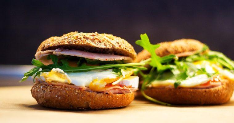 Skvělý snídaňový burger