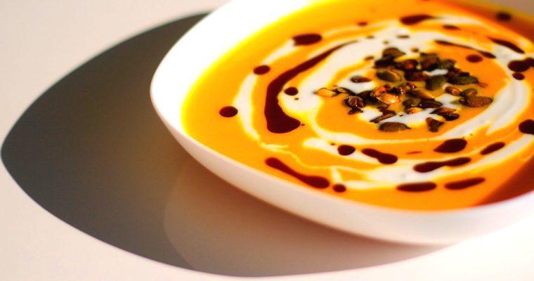 Dýňová polévka smrkví azázvorem