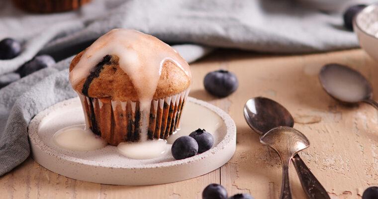 Borůvkové muffiny scitronovou glazurou