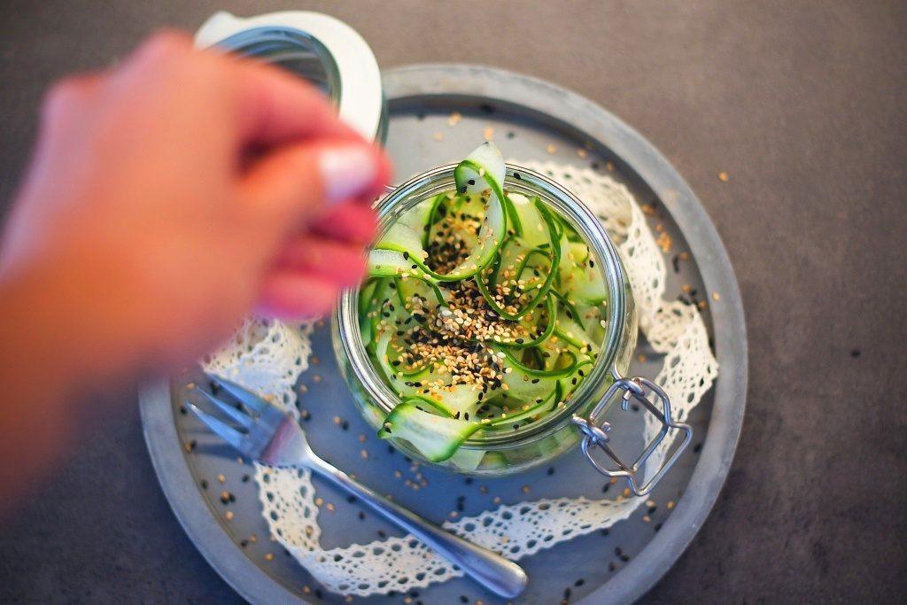 Křupavý japonský okurkový salát