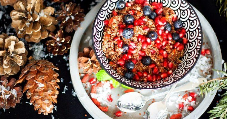 Quinoa kaše smandlovým mlékem aovocem