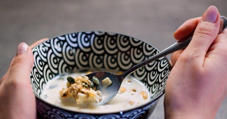 Medová granola soříšky aovocem