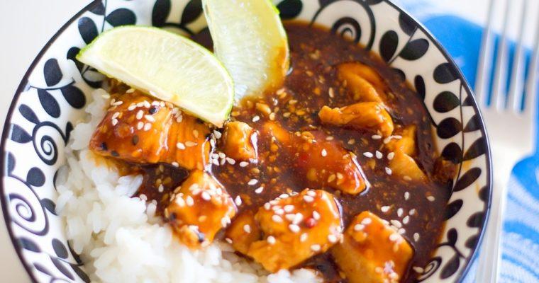 Pikantní kuřecí kousky poasijsku sjasmínovou rýží