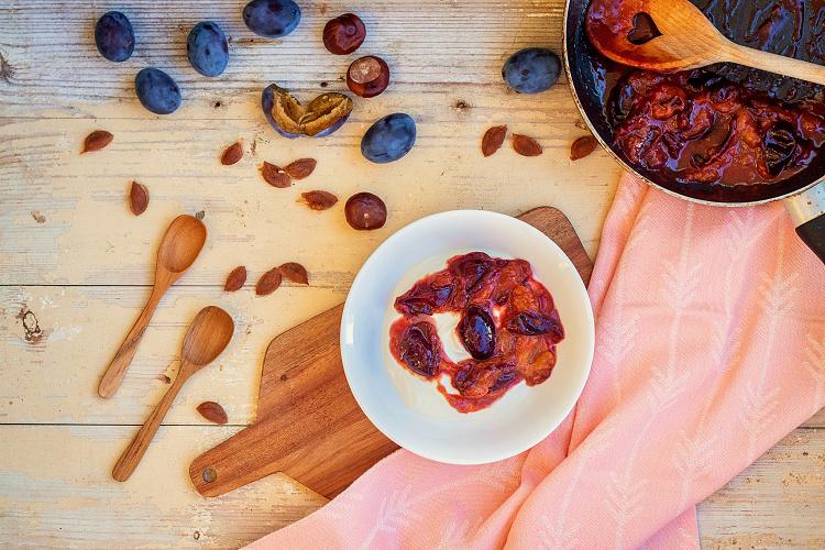 Karamelizované švestky