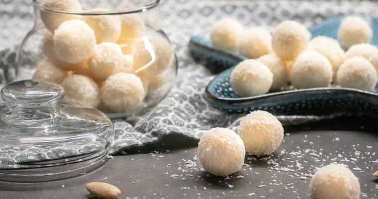Kokosové kuličky smandlemi aneb domácí Raffaello